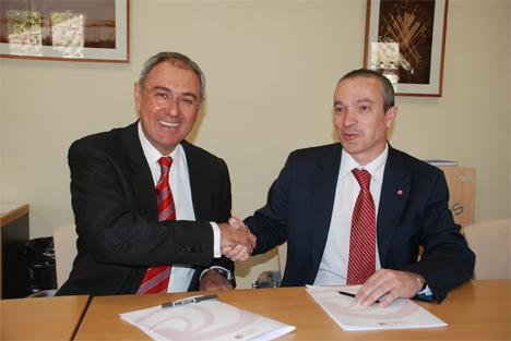Rector de la UCLM y el presidente del ISFOC