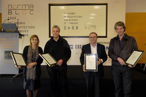 Ganadores del 1er Premio de Arquitectura con Bloques de Hormigón 2008 organizado por Normabloc