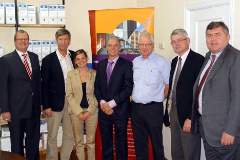 Asistentes a la asamblea general de FEMIB, celebrada en FEIM el día 15 de septiembre. De izquierda a derecha Frank Koos (secretario general), Lars-Göran Johansson (Suecia), Olga Moro-Coco (España), Kurt Emil Eriksen (Dinamarca), Tore Gran (Noruega), Markku Leinos (Finlandia) y Alfons Schneider (Alemania).