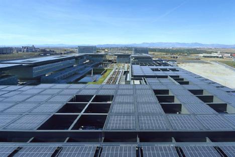 La mayor marquesina de paneles solares de Europa