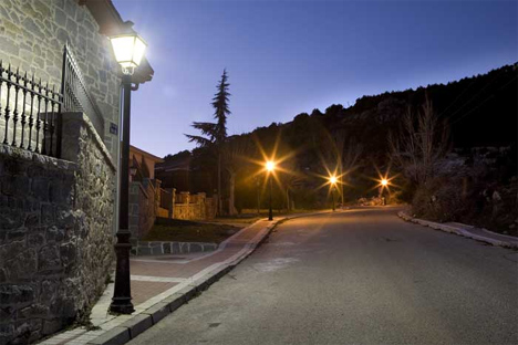 Iluminación de las calles del Ayuntamiento de Becerril de la Sierra (Madrid)