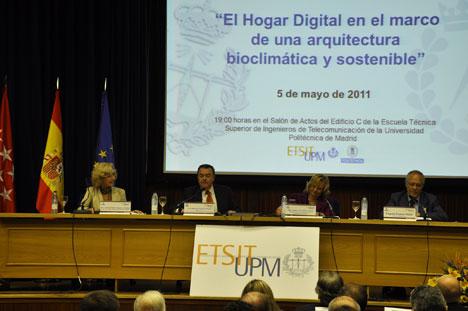 Mesa de apertura de la jornada 'El Hogar Digital para una edificación eficiente y sostenible'