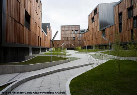 Viviendas sociales de Mieres (Asturias) diseñadas por los arquitectos Bernardo Angelini y David Casino, del Estudio Zigzag Arquitectura.