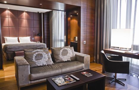 Iluminación Lutron en una habitación del hotel Madrid Tower