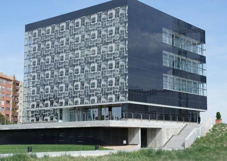 Edifico CEIM en Zaragoza, la nueva sede de la empresa FNeNERGÍA