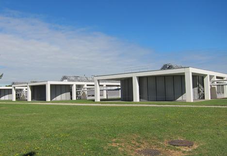 Detalle de los edificios de los laboratorios del Centro de Investigación Lafarge.