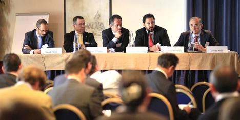 Mesa inaugural de la quinta edición de la Conferencia de la Industria Solar (CIS 2011).