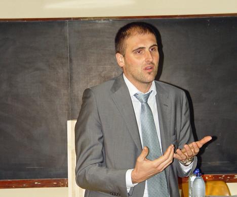 Albino Ángeli, ingeniero investigador sobre uniones en colaboración con la Universidad de Trento.