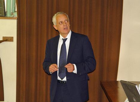profesor Gerhard Schickhofer.