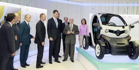 Don Felipe de Borbón inaugura la Nave Z.E. de Renault en Valladolid