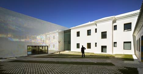 """""""MUCA. Auditorio y Casa de la Música"""" de Algueña (Alicante), del Estudio C O R (Miguel Rodenas + Jesús Olivares)"""