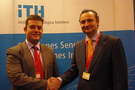 Firma del acuerdo entre ITH y Baumit