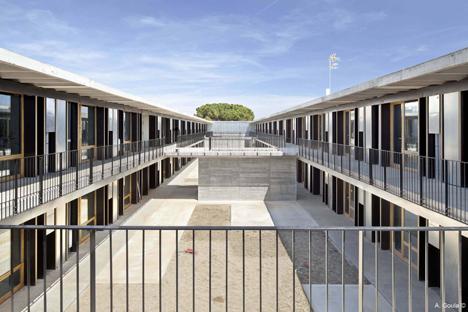 Viviendas universitarias en el campus de Sant Cugat, Compact Habit