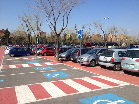 Mejora de la señalética y plazas de parking par apersonas con movilidad reducida en Parquesur