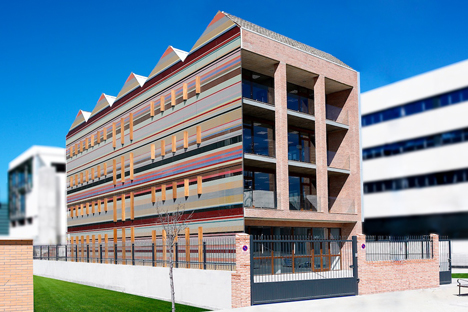 Edificio FBAL, fachada sur y oeste