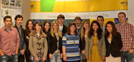 Estudiantes de arquitectura en el Concurso Multi-Confot House de Isover