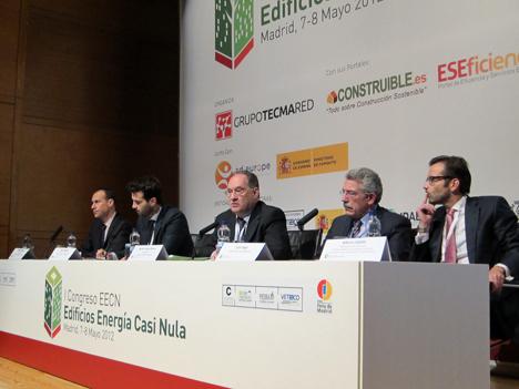 Mesa redonda, de izq. a dcha.: Pablo Olangua,  Asier Moltó, Javier García Breva, Luis Vega y Alberto Sabido