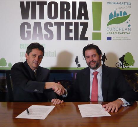 Firma del acuerdo entre ambas entidades