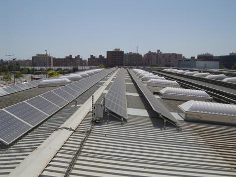 lucernarios Lledó Sunoptics en los talleres de Naranjos y los talleres Machado de FGV