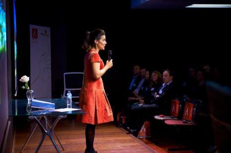 Soledad Berbegal en la presentación de Actiu en Sidney