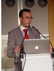 El Director comercial de Torinco, Lorenzo Nadales, en el ciclo de conferencias Patio 2.12 en SDE 2012