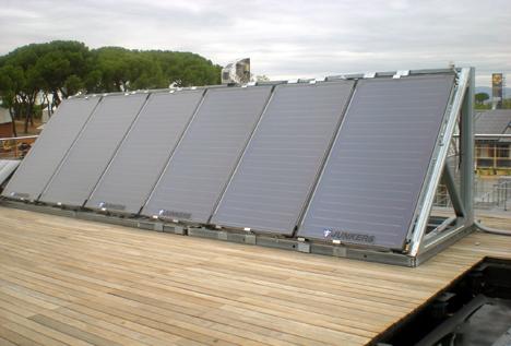 Captadores solares FKT-1S de Junkers instalados en la vivienda de UPM D10