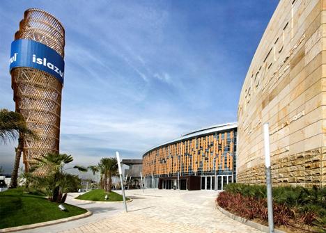 """Isla Azul, primer edificio que obtiene la Certificación Breeam ES en la tipología """"En Uso"""""""