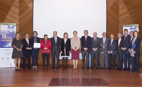 La Infanta Elena entrega el galardón Ciudad Sostenible 2012