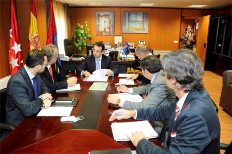 Firma del acuerdo de colaboración entre el Ayuntamiento de Móstoles y la empresa Móstoles District Heating