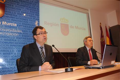 El Consejero de Universidades de la Región de Murcia, Empresa e Investigación, José Ballesta, en la presentación del nuevo procedimiento de autoconsumo energético