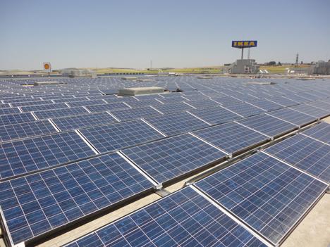 Instalación solar fotovoltáica sobre cubierta en IKEA Jerez