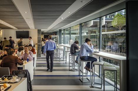 Cafetería del Campus Repsol