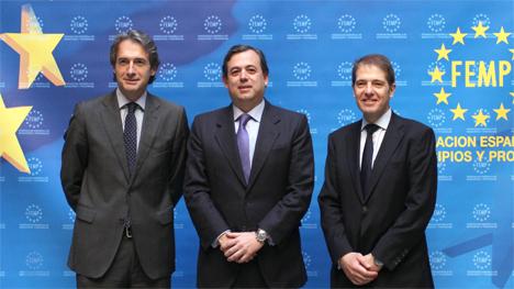 Iñigo de la Serna, Presidente de la FEMP, Federico Ramos, Secretario de Estado de Medioambiente y Oscer Martín, Director General de Ecoembes