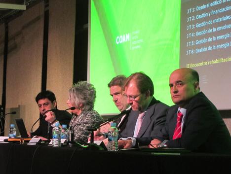 I Encuentro sobre Rehabilitación, Arquitectura y Energía, en primer plano Fidel Perez Montes, Director General del IDAE