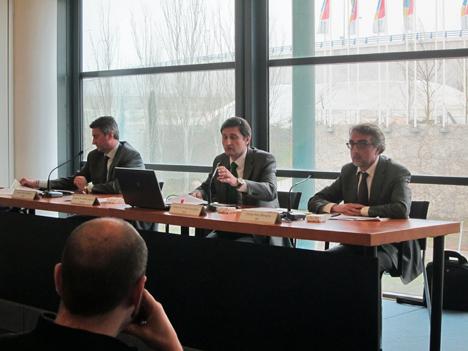 Pedro Prieto, Director de Ahorro y Eficiencia Energética del IDAE, en el centro, en la presentación del Fondo Jessica-Fidae