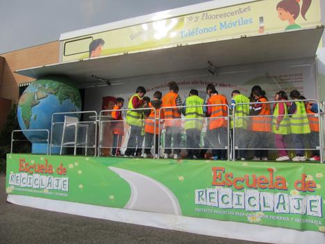 """""""Escuela de Reciclaje"""" muestra a los escolares la importancia del reciclado de los aparatos eléctricos y electrónicos"""
