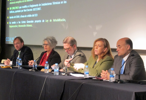 Mesa de expertos de la Administración en el COAM. de izquierda a derecha: Juan Van Halen, Pilar Pereda, Jose Granero, Pilar Martinez y Fidel Perez Montes