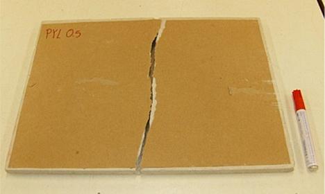 Una de las placas de yeso fabricadas (FOTO: Grupo de Investigación en Ingeniería de la Edificación)
