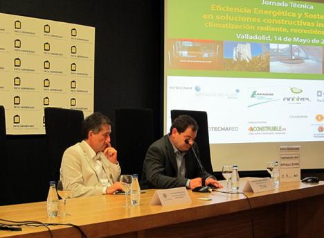 José Carlos García Pérez, Director del Servicio de Medioambiente del Ayuntamiento de Valladolid (izq.) y José Emilio Nogués, Vocal de la Junta de Gobierno del Colegio Oficial de Arquitectos de Valladolid (dcha.)