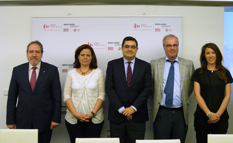 La Fundación Laboral de la Construcción firmó el pasado viernes 28 de junio tres convenios de colaboración con las empresas de materiales Sika, Puma y Mapei