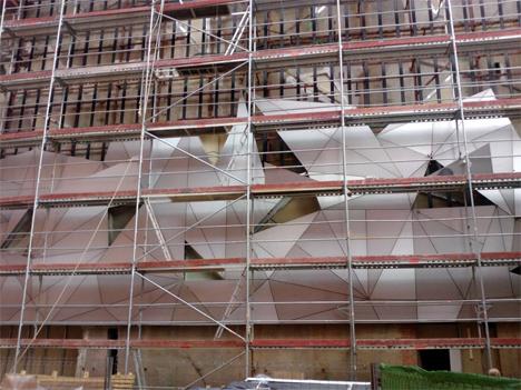 Museo ABC, Pegado elástico de la fachada sistema Sika Tack Panel