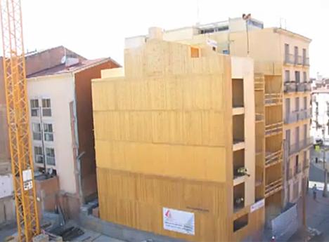 Primer edificio de seis plantas de madera en España