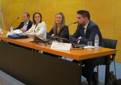 En primer plano: Raúl Calleja, Director del Salón Internacional de Soluciones para la Construcción Sostenible (SCS)