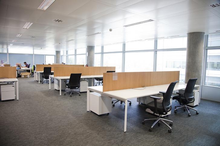 Dise o arquitect nico sostenible en la sede de banco for Oficinas banco popular murcia