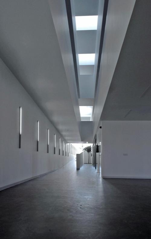 Interior desde la planta baja hasta lucernarios.