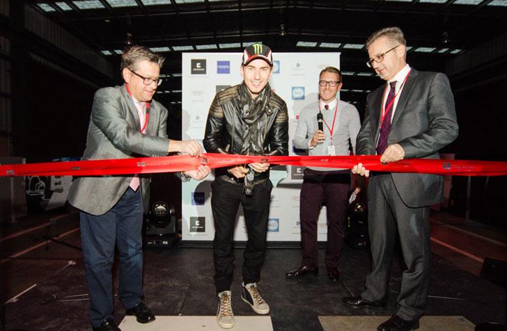 Acto de inauguración oficial del Center de Melbourne, con la presencia del piloto español de MotoGP, Jorge Lorenzo
