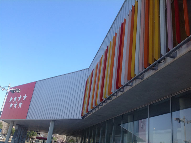 La celosía Gradpanel-R en el nuevo polideportivo de Alcalá de Henares