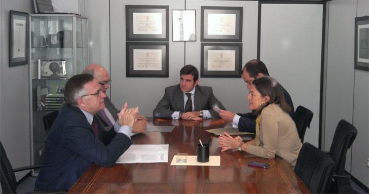 Firma del convenio de colaboración entre ANERR (Asociación Nacional de Empresas de Rehabilitación y Reforma) y la EMVS (Empresa Municipal de la Vivienda y Suelo)