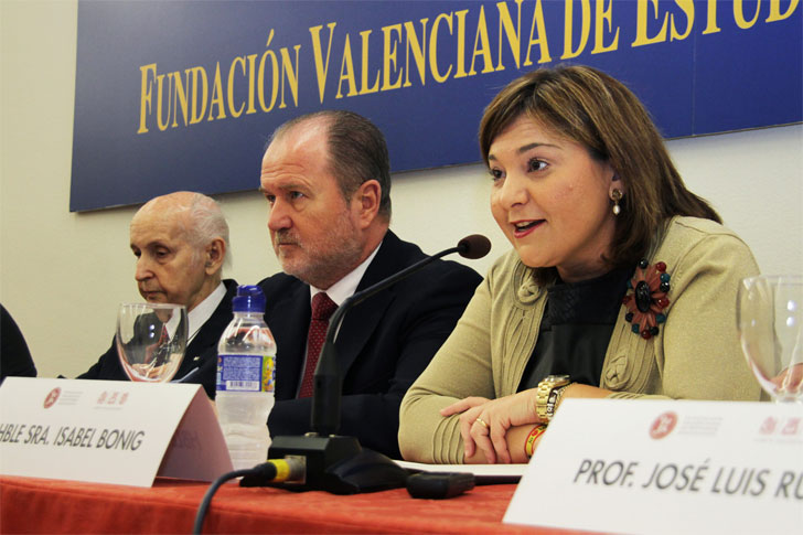 La consellera de Infraestructuras, Territorio y Medio Ambiente de la Comunidad Valenciana, Isabel Bonig, ha inaugurado la jornada El futuro del clima y nuestro futuro