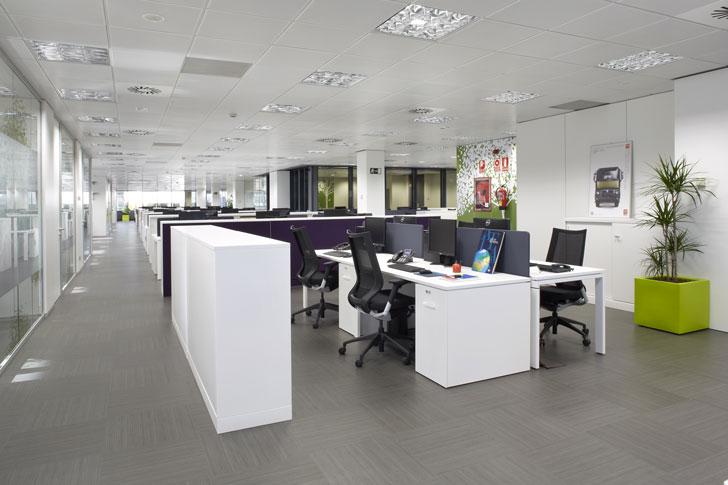 Oficinas Volvo en Madrid amuebladas por Ofita
